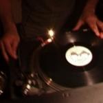Le vinyle fait de la résistance